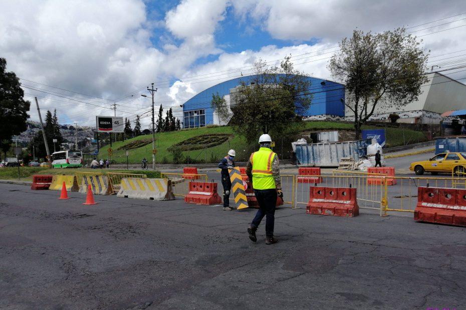 Trabajos de reposicionamiento en la av. Morán Valverde.