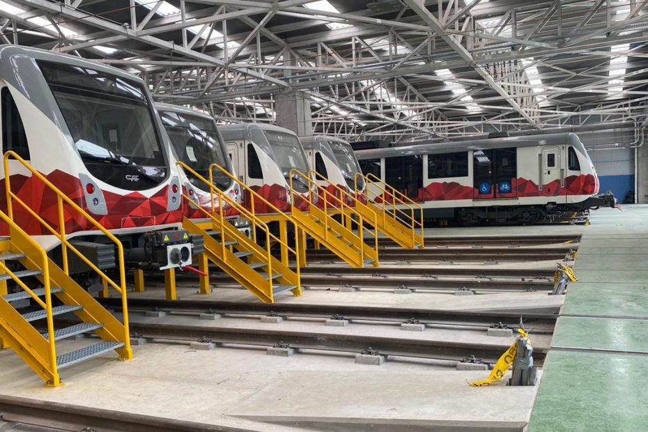 Comunicación interna, aire comprimido, frenado, ventilación, tracción, equipos auxiliares como iluminación, comunicación al viajero y apertura y cierre de puertas son parte de los subsistemas que se deben probar en los trenes del Metro de Quito.