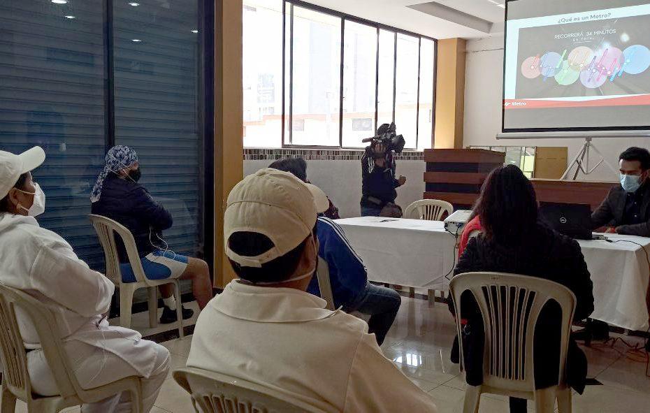 El 17 de noviembre se llevó a cabo el primer MetroTaller con la ciudadanía para dar a conocer el funcionamiento, beneficios, normas de comportamiento y MetroCultura.