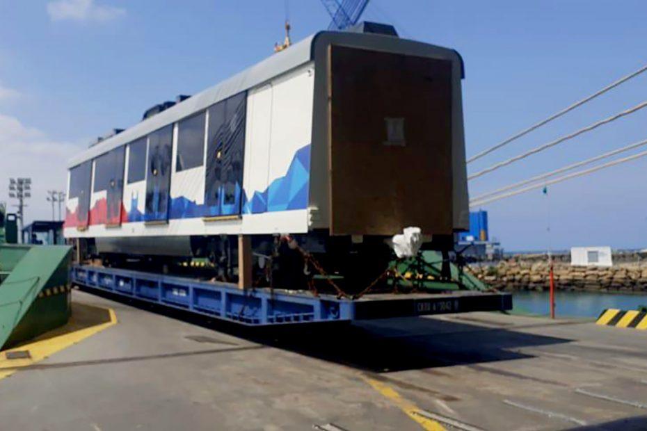 El 5 de diciembre arribó desde España el tren 18 que completa la flota de la primera línea del Metro de Quito.