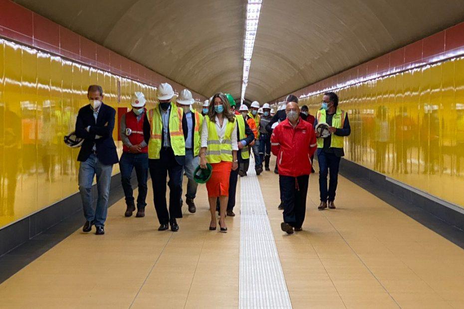 Xiana Méndez, secretaria de Estado de Comercio de España, visitó la emblemática estación San Francisco del Metro de Quito.